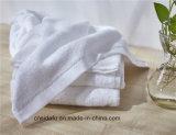 卸し売り贅沢100の綿のロゴの白いホテルの表面タオル