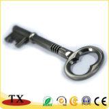 최신 판매 중요한 모양 열쇠 고리 결혼식 호의 금속 열쇠 고리