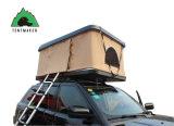 SUVの販売の屋外のキャンプのための自動堅いシェルの屋根の上のテント