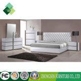 주문화 Bedroom Furniture Sets 백색에 있는 현대 이탈리아 작풍 임금 및 짜개진 조각 오크재를 가진 높은 광택 래커