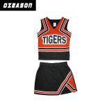 Neueste Cheerleading-Sportkleidung-Mädchen, die Getreide-Oberseiten und Fußleisten (CL009, Cheerleading sind)