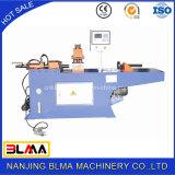 Extremidade da câmara de ar e de tubulação que reduz a máquina no estoque