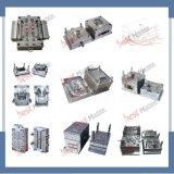 Ropa de plástico de los modelos de humanoides de la máquina de moldeo por inyección