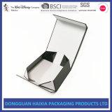 ロゴプリントが付いている堅いボール紙のペーパーギフトの包装ボックスを折るカスタム贅沢