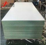 Hmr MDFは18mm 12mm 15mmの材木の中型の密度の有機質繊維板を両側の白いドバイの市場防水する