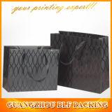 La impresión negra recicla la bolsa de papel