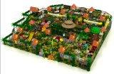 Выполненный в джунгли для использования внутри помещений центр для детей