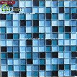 Mattonelle di mosaico blu della piscina