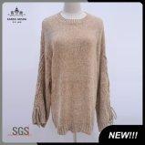 シュニールは女性のセーターの編む冬の衣類をひもで締める