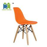 (HIGOS)椅子を食事する熱い販売の現代PPの物質的なプラスチックレストラン