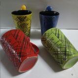 Nuevas parte inferior y cuchara del cuadrado del diseño en taza de la porcelana de la forma de V de la maneta