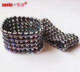 monili del braccialetto della perla coltivati modo piano nero elastico di figura 5rows