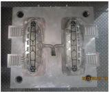 2-holte de Vorm van het Afgietsel van de Matrijs voor de Lijst voet-W van het Meubilair