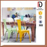 Cadeira de empilhamento barata do metal da sala de visitas das cores diferentes