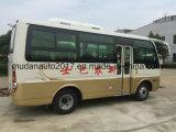 Omnibus del coche de pasajero del motor de Isuzu con la condición del aire del chasis de Dongfeng