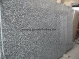 中国のスプレーのカウンタートップ、床を張る壁のクラッディングのための白い花こう岩の平板の海の波の花こう岩の平板