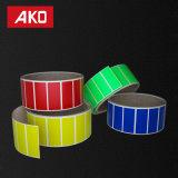 Escrituras de la etiqueta a todo color rojas amarillas del rectángulo del verde azul en Rolls