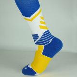 Kundenspezifischer Qualitäts-Sport trifft Großhandelsbasketball-Sortierung-Socken hart