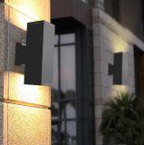 su e giù l'indicatore luminoso esterno della parete dei due lati LED