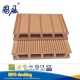 Decking en plastique en bois du composé WPC de 146*26mm avec la construction décorée