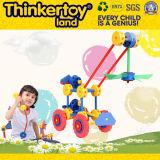 El juguete educativo preescolar de las tareas de los cabritos adentro finge el juego