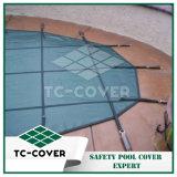 К услугам гостей бассейн защитной крышки крышки - отличный способ закрепить бассейны
