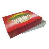 Красный коробку из гофрированного картона с логотипом на крышке