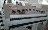 De PP de plástico de alimentação PS QUADRIS linha de máquinas de extrusão da folha de papelão ondulado