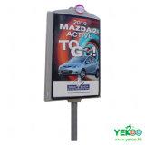 Visualización al aire libre del poste de la lámpara de calle que hace publicidad del rectángulo ligero de Mupis