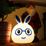 O bebê do diodo emissor de luz do coelho caçoa a luz da noite, lâmpada macia do berçário do silicone Multicolor bonito