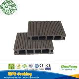 Decking compuesto plástico de madera de la textura de madera exterior del HDPE del artículo con los certificados del Ce