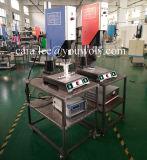 Machine à souder en plastique à ultrasons pour les batteries du chariot