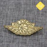 Großhandelsform-preiswertes kundenspezifisches Metallabzeichen