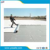 Polímero PVC autoadhesivo Membrana impermeable protegido de la UV para impermeabilización de cubiertas