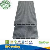 Heißer VerkäufeWPC Decking-hölzerner zusammengesetzter im Freienplastikbodenbelag