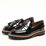 Neue Entwurfs-Troddel-kleine lederne Dame Shoes