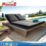 高品質ファブリック浜のLoungerの椅子のプールの家具のために適したフランスのChaiseのラウンジ