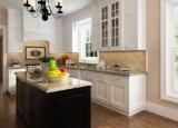 白いシェーカーのRtaの純木の食器棚現代様式の家具