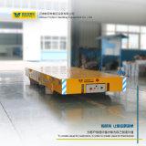 Batteriebetriebener Transport sterben Karre auf konkretem Fußboden