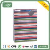 Bunte horizontale gestreifte Kleidung bereift Geschenk-Papiertüten