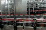 Bouteille d'Evian et l'emballage d'étanchéité de la machine de remplissage