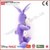 Lapin de Pâques un jouet en peluche animal en peluche