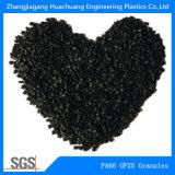 Черные пластичные зерна сделанные нейлона и стеклянного волокна