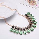 Collar cristalino de la dimensión de una variable del agua de las mujeres del verde cristalino de piedra de cristal del collar