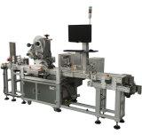 Het Flessenvullen die van de drank en de Machine van de Etikettering afdekken