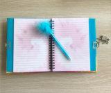 Подгоняно фиксирующ тетрадь дневника с пер пера