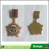 Diseñe la divisa militar del Pin del recuerdo