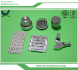 スイス人機械化の銅または鋼鉄またはプラスチックまたは金属またはチタニウムまたはアルミニウム精密CNCによって機械で造られる部品
