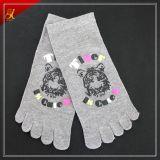 De populaire Mooie Sokken van de Teen van de Douane zeer Goedkope