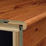 [ستيرنوس] خشبيّة يستعمل لأنّ يرقّق أرضية